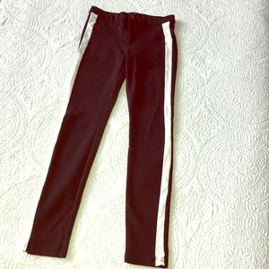 Super flattering leggings with button and zipper